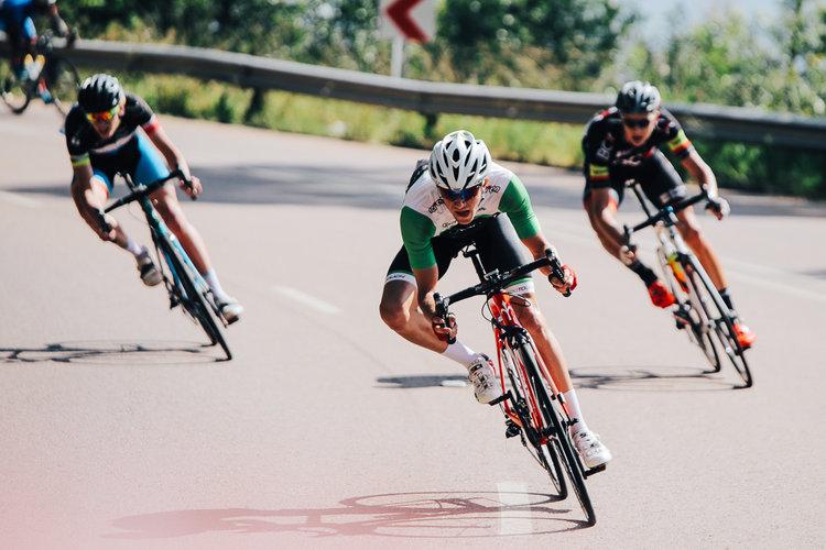 position pour bien descendre à vélo